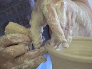 potter_hands_thumb